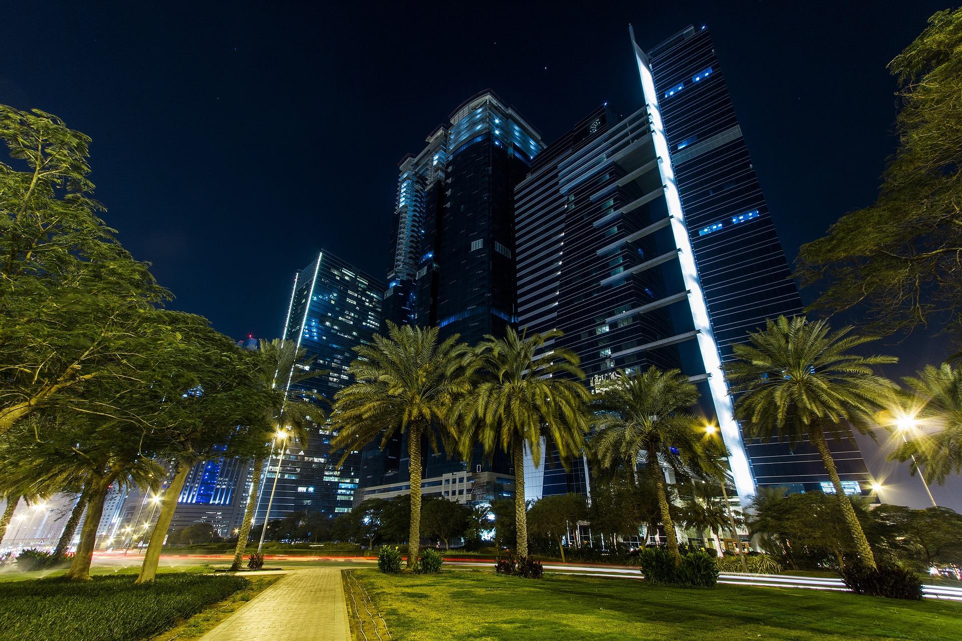 Kelionė į Dubajų: kalba, religija, tradicijos, pigūs skrydžiai